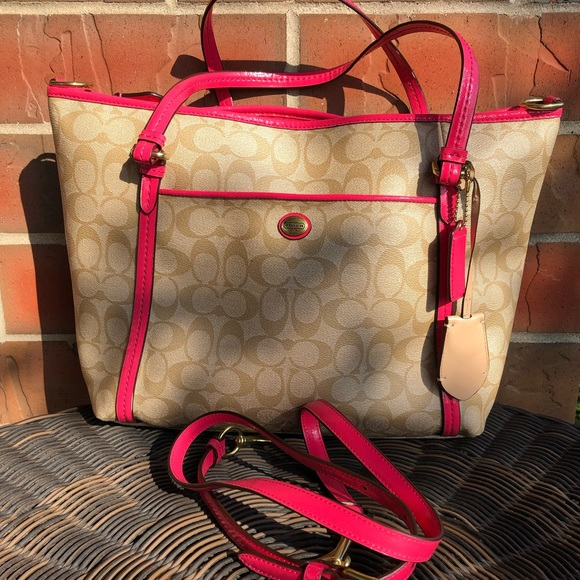 Coach Handbags - Gently used Coach Bag.